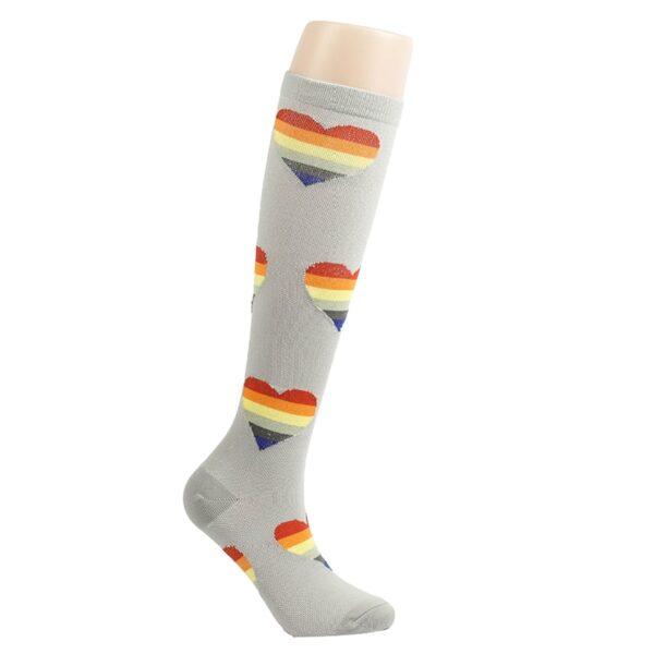 calcetines lgbt altos grises corazones orgullo gay